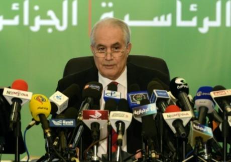 Algérie: le président du Conseil constitutionnel, nouvelle victime de la rue?