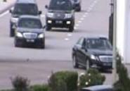Mécontents, des automobilistes klaxonnent au passage du cortège du Président Marzouki