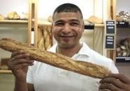 L'artisan boulanger tunisien Khadher accompagnera Hollande à Tunis