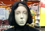 France: Une mannequin voilée à Carrefour suscite indignation