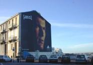 """France: Une """"inconnue"""" remplace Zidane sur """"son mur"""" à Marseille, les fans indignés"""