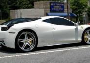 Choking – Vidéo: Akon vous présente sa Ferrari 458 relookée, d'une beauté incroyable. Regardez