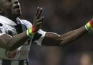 Newcastle: Papiss Cisse se retire de la tournée de son équipe à cause du sponsor sur le maillot !