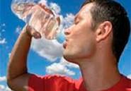 Une Fatwa iranienne autorise les jeûneurs à boire en cas de 'soif extrême' pendant le ramadan
