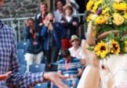 L'image du jour : Federer de retour et une vache en cadeau de bienvenue!