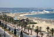 Tunisie : Chaîne humaine de solidarité sur les plages de Hammamet