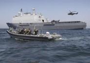 Le navire de guerre néerlandais HNLMS Rotterdam en visite
