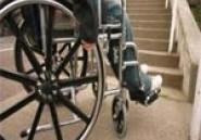 Douz: Manifestation des membres d'une association pour handicapés