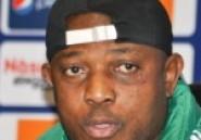Accusé de racisme: Stephen Keshi échappe