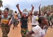 """A Bangui, autour du camp Kasaï vidé des Séléka, la population fête sa """"libération"""""""