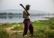 """A Bangui, des """"amazones"""" anti-balaka défendent l'île des Singes"""