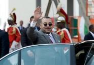 Maroc: au Sahara, le roi accomplit la prière avec un ministre ivoirien