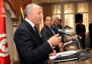 """Fabius promet de passer des vacances en Tunisie pour """"montrer l'exemple"""""""