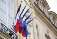 Crash au Mali: les boîtes noires en France, où les drapeaux sont en berne