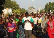 Burkina: des centaines de femmes manifestent contre une révision de la Constitution