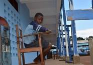 Liberia: privés de cours par Ebola, des enfants hantent leurs écoles désertées