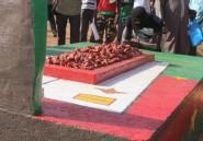 """Burkina: des balais sur la tombe de Sankara pour exiger """"justice"""" sur sa mort"""