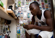 """Au Mali, des """"téléchargeurs"""" humains remplacent Spotify"""