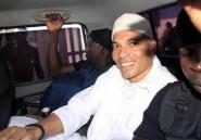 """Sénégal: Karim Wade, """"frappé et blessé"""", en grève de la faim"""
