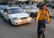 Au Caire, de rares femmes affrontent
