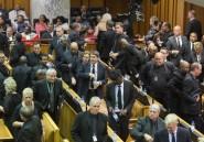 Afrique du Sud: l'opposition accable Zuma après les incidents au parlement