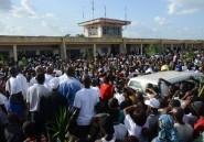 Gabon: la dépouille de l'opposant Mba Obame accueillie par des milliers de sympathisants