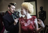 Thando Hopa, mannequin pour combattre les préjugés contre les albinos en Afrique