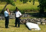 """La Réunion: le débris d'avion vient """"très probablement"""" d'un Boeing 777"""