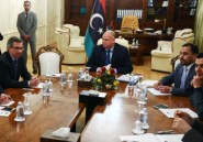 Libye: le parlement non reconnu hésite