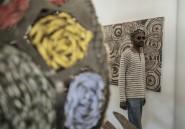 Soweto: pain avarié et bouse, ou l'art du recyclage par des artistes