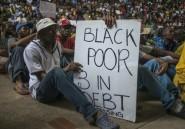 Afrique du Sud: affrontements entre la police et des étudiants devant le Parlement