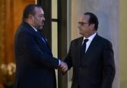 """Attentats: Hollande remercie Mohammed VI pour l'""""assistance efficace"""" du Maroc"""