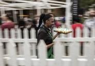 Starbucks a ouvert son premier café en Afrique subsaharienne et la queue était très longue