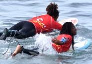 Au Sénégal, une jeune génération de surfeurs se hisse sur la vague