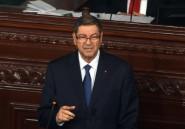 Tunisie: le gouvernement défend sa gestion de la crise