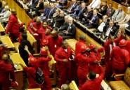 Afrique du Sud: chahuté au Parlement, Zuma reconnaît que le pays est en crise