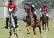 Chevaux, chapeaux et champagne: Lagos joue au polo