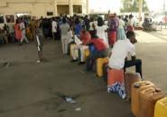 Nigeria: des kilomètres de queue pour faire le plein  dans un pays
