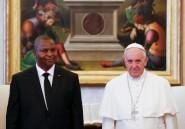 """Centrafrique: le pape salue un """"climat constructif"""" en recevant le nouveau président"""