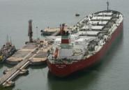 Les revenus pétroliers de l'Algérie en chute de près de 40%