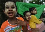 Les musulmans célèbrent la fin du ramadan malgré le choc des attentats