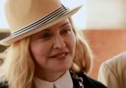 Madonna sur le chantier d'un hôpital pour enfants au Malawi