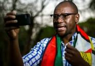 """Le pasteur Evan Mawarire, chef de file """"par accident"""" de la fronde citoyenne anti-Mugabe"""