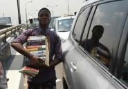 Nigeria: les innombrables vendeurs de rues de Lagos menacés de disparaître