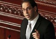 """Le Premier ministre tunisien réclame mobilisation et """"sacrifices"""""""