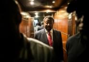 """Présidentielle au Gabon: """"Ali réélu"""", """"C'est Ping"""", la presse divisée"""