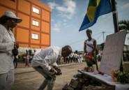 Gabon: émotion chez Ping, les Gabonais arrêtés défilent