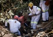 Afrique du Sud: opérations de secours suspendues pour des mineurs illégaux piégés