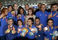 """Paralympiques: joie, cohue et espoirs au retour des """"héros"""" tunisiens"""