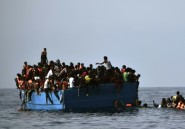 Migrants: la Libye opposée
